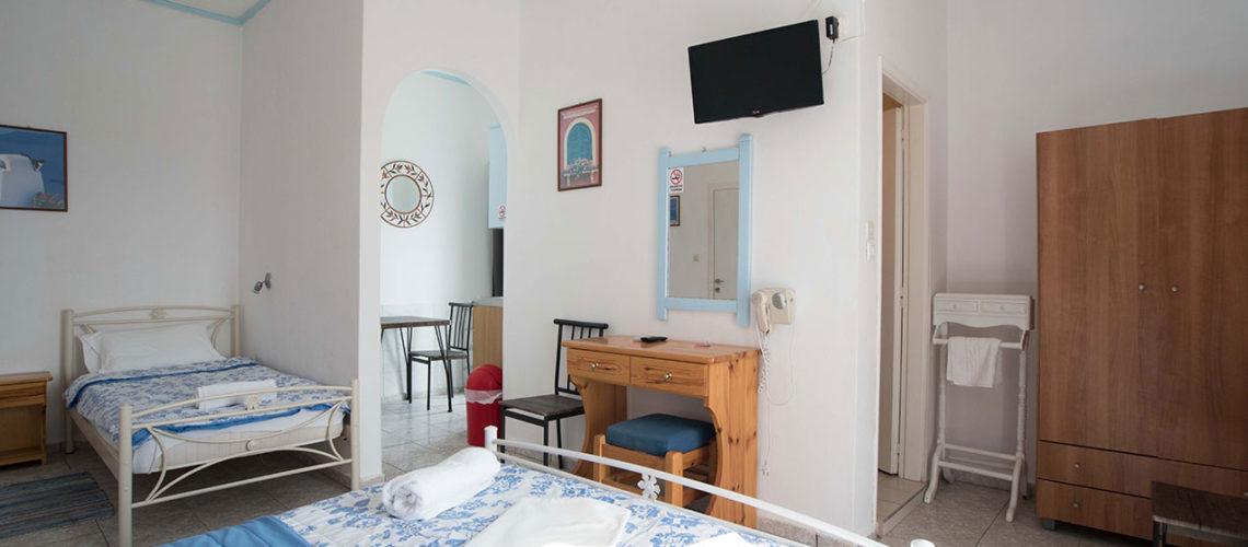 Triple Studio Denis apartments Paros